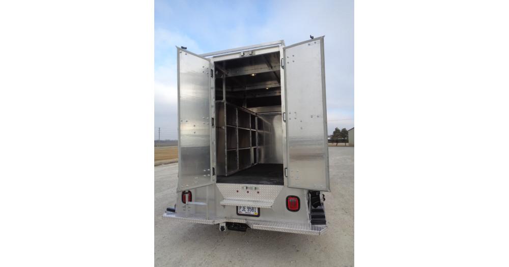 Unruh Fab Kansas Glass Transporting Workhorse Aluminum Enclosed Body 55