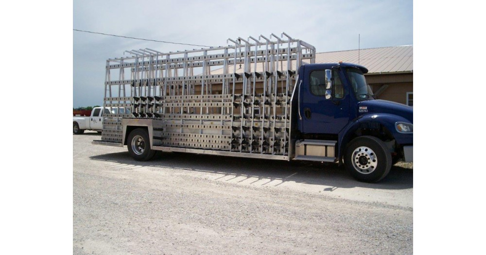 Unruh Fab Kansas Glass Transporting Slider L Rack In Pickup WA Wilson 24' Aluminum Body