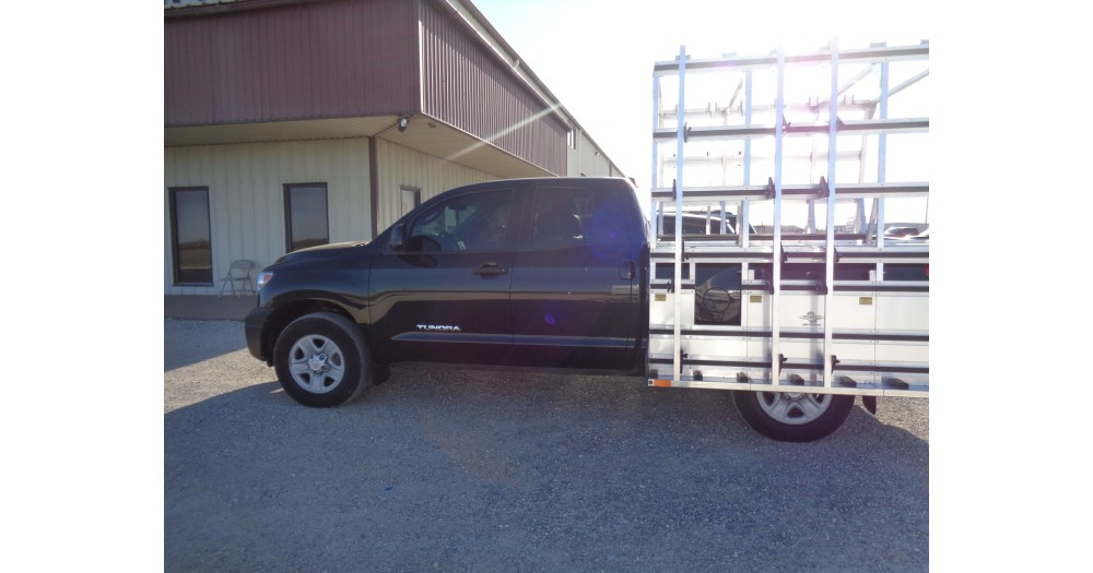 Unruh Fab Kansas Glass Transporting Pickup Rack On Toyato Tundra 6